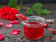 Рецепта Лесно домашно сладко от рози